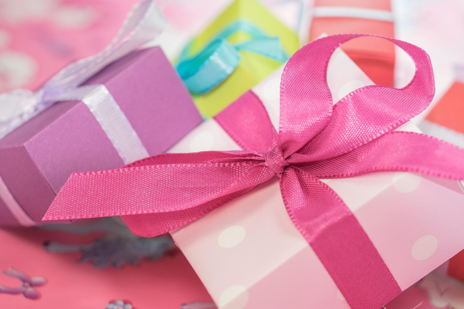 Many student wish the best for their friends. Gift-giving isn't most important. Spending time together counts most.