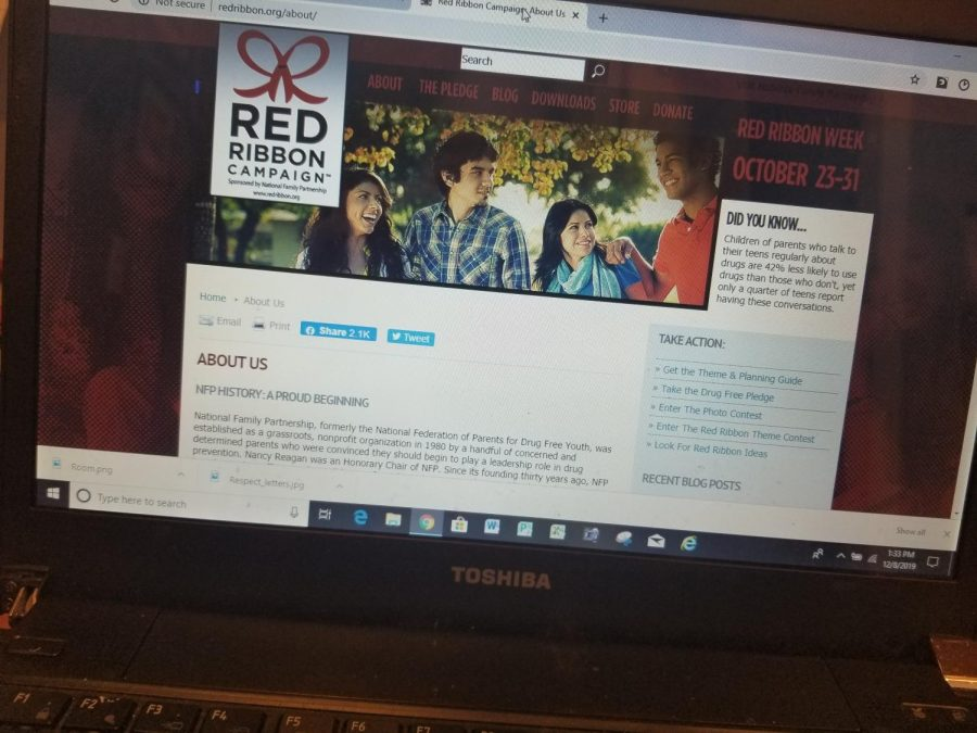 The website for the Red Ribbon Campaign has a  pledge for students to take. It says,